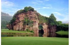 莲花山高尔夫球会